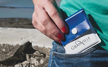 Retirez votre cendrier de poche à l'Hôtel de Ville et à l'Agora !