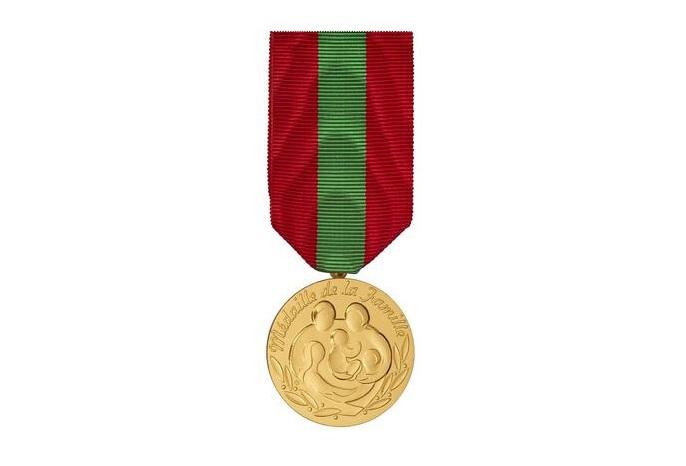 Médaille de la famille.
