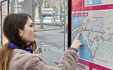 NEVA change ses itinéraires et horaires pendant le carnaval et la fête foraine.©Benoit.Croisy