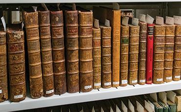 Des archives municipales vont être confiées aux Archives départementales de la Manche.©Benoit.Croisy