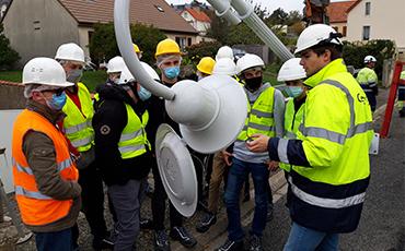 Visite d'une classe MELEC de la Morandière sur le chantier d'éclairage public de la rue de la Briqueterie.©Flora.Gelot