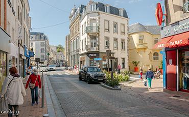 La Ville de Granville se réjouit de la réouverture, dès ce samedi 28 novembre, de ses commerces de détail.©Benoit.Croisy